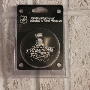 NHL LA Knights 2014 Stanley Cup Champions Puck